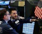 FED tuyên bố 'bơm tiền', chứng khoán Mỹ bật tăng mạnh mẽ