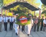 Miền Trung tổ chức lễ viếng, đặt vòng hoa tại nhiều nghĩa trang liệt sĩ