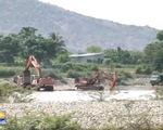 Ninh Thuận: Người dân bức xúc vì khai thác cát