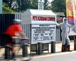 Indonesia: Trưng quan tài trước phố để nâng cao ý thức chống COVID-19