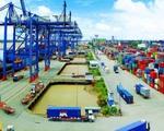 Việt Nam xuất siêu kỷ lục 13,5 tỷ USD - ảnh 1