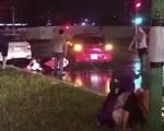 Triệu tập tài xế lùi xe ô tô tông nhiều phương tiện rồi bỏ chạy