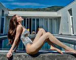 Hồ Ngọc Hà khoe sắc vóc nóng bỏng sau sinh