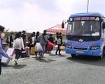 Dịch COVID-19: Quảng Ninh sử dụng xe bus trung chuyển đưa người dân về quê