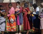 Số phụ nữ tử vong vì COVID-19 tại châu Phi thấp hơn nam giới