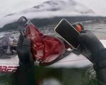iPhone 11 'sống khỏe' sau 6 tháng chìm dưới đáy hồ