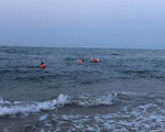 Đi tắm biển, 4 học sinh bị đuối nước