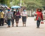 Thủ đô Vientiane ngày đầu Nội bất xuất, ngoại bất nhập - ảnh 2