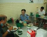 Hà Nội: Không được tụ tập quá 10 người, hàng ăn đảm bảo giãn cách 2m