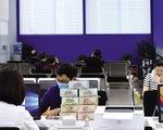 Kiểm soát chặt tín dụng đối với bất động sản, chứng khoán