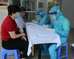 Hà Nội khẩn trương lấy mẫu xét nghiệm COVID-19 cho người trở về từ Đà Nẵng