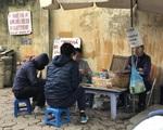 Hà Nội: Bất chấp quy định phòng dịch, nhiều hàng quán vỉa hè vẫn mở cửa