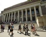 Lượng sinh viên quốc tế nhập học mới tại Australia giảm 37%