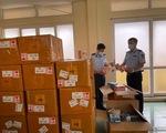 'Đột kích' cơ sở kinh doanh thuốc lá điện tử nhập lậu khủng tại Hà Nội