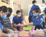 Góp rau củ, cá biển gửi tới người dân TP Hồ Chí Minh