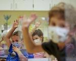 Trên 4 triệu trẻ em Mỹ nhiễm virus SARS-CoV-2 - ảnh 2