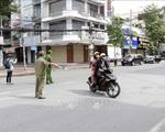 Hà Nội xử phạt nhiều người tập thể dục ngoài trời, dắt chó đi dạo