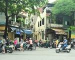 Hà Nội ngày đầu giãn cách xã hội: Đông người tập trung mua thực phẩm