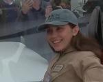 Nữ phi công một mình bay quanh Trái Đất hạ cánh ở Costa Rica - ảnh 1