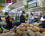 Nhiều siêu thị lớn ở TP Hồ Chí Minh hoạt động trở lại - ảnh 2