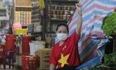 Tiểu thương Đà Nẵng đồng loạt mặc áo cờ đỏ sao vàng cổ động phòng chống dịch