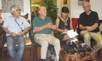 American war correspondents visit Vietnam