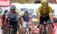 Tour de France: Chris Froome holds firm as Joaquim Rodriguez wins