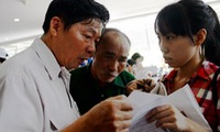 60-year-old father enters national high school exam with daughter