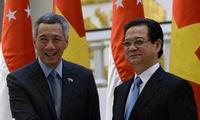 Vietnam - Singapore foster relations