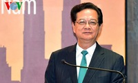 PM meets Vietnamese community in Malaysia