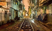 Photography exhibition features beauty of night in Hanoi, Hue