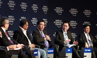 Vietnam attends ASEAN world economic forum