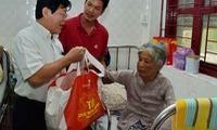Free meals for patients during Tet