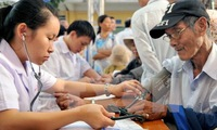 Old workers won't steal jobs: experts