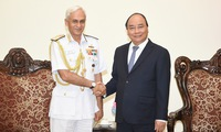 Prime Minister receives high-ranking Indian Navy