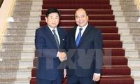 PM Nguyen Xuan Phuc hosts former RoK city mayor