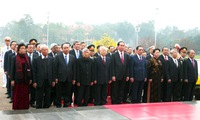 Party chief pays tribute to late President Ho Chi Minh