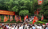 Hung Kings Temple welcomes almost 1 million worshippers during Tet
