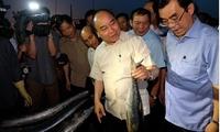 PM visits fishermen in Thua Thien-Hue, Quang Tri provinces