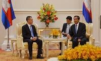 Cambodian Prime Minister receives Vietnamese ambassador