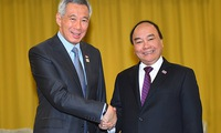 Prime Minister meets with Singaporean President