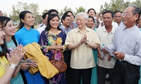 Party Chief visits An Giang province