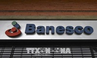 Venezuela arrests 11 top executives at leading bank Banesco