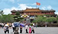 Hue promotes tourism services