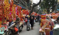 Hang Ma a hive of activity as Tet draws near
