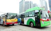 Hanoi puts more eco-friendly buses into operation