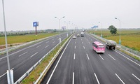 Vietnam calls for investment into North-South Expressway