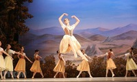 Ballet Giselle performed in Hanoi to mark Russia's National Day