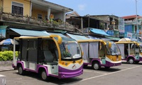 Electric carts to replace garbage trolleys in Hue