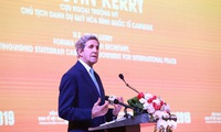 Vietnam-US enhance cooperation on renewable energy